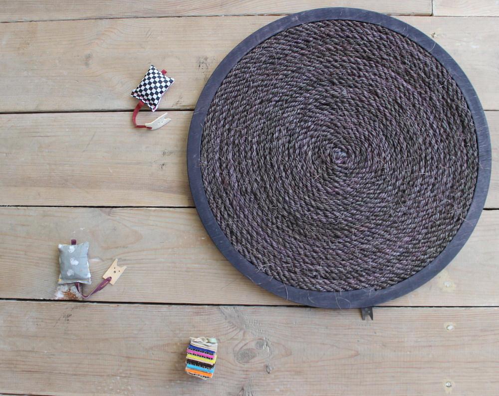 modern wall mounted cat scratcher sisal rope
